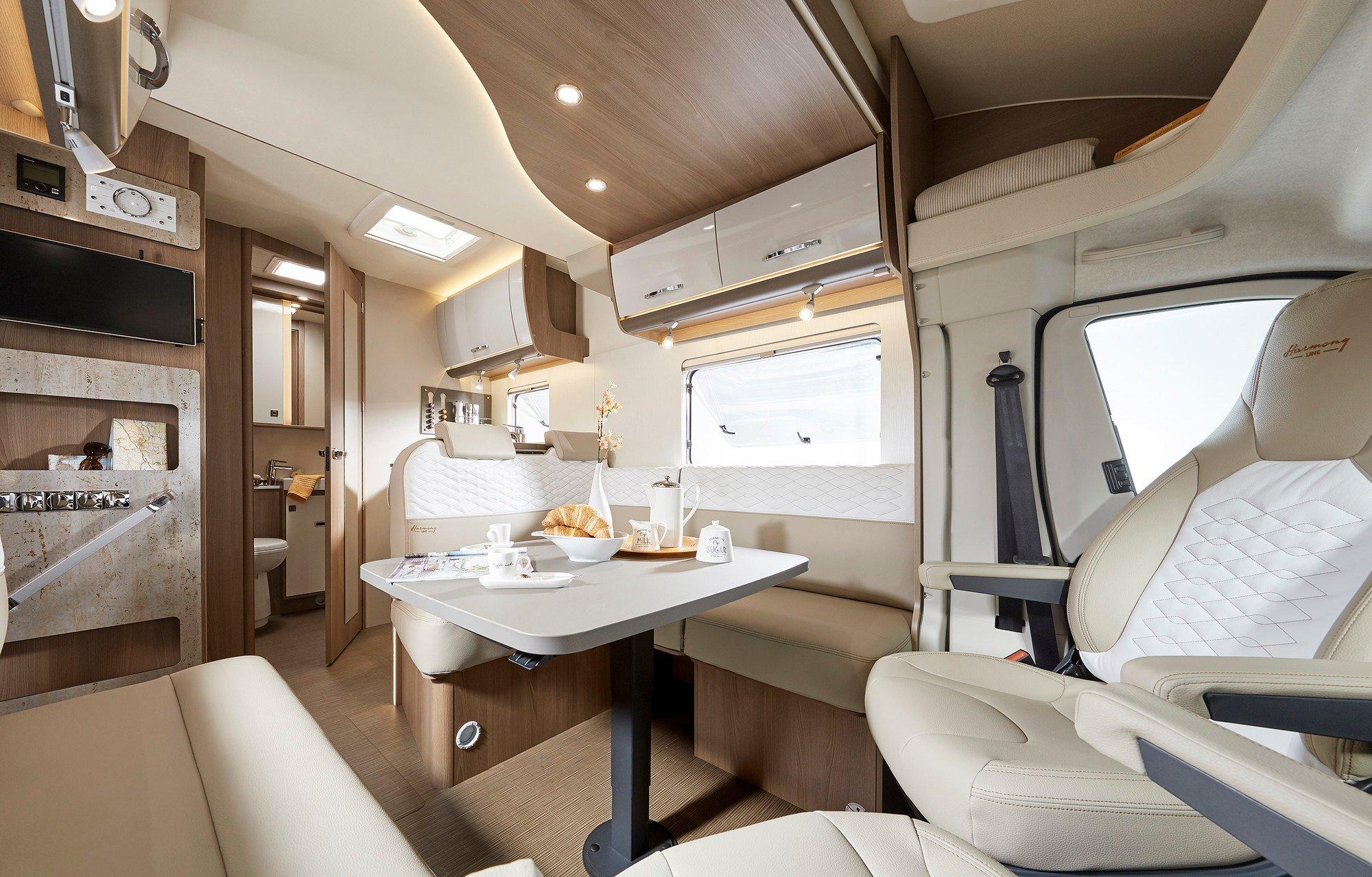 SmartRV-Burstner-Lyseo-IT590-swivel-chairs-lounge