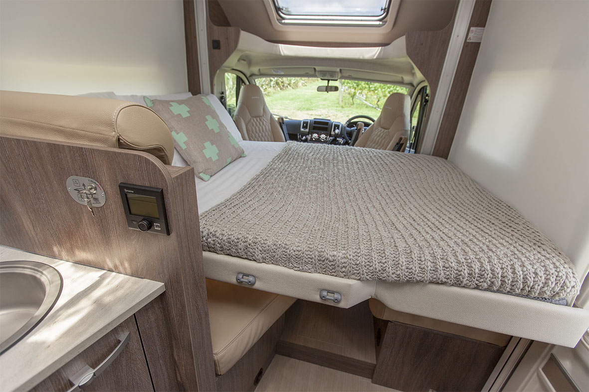 SmartRV-Burstner-Lyseo-IT590-dropdown-double-bed