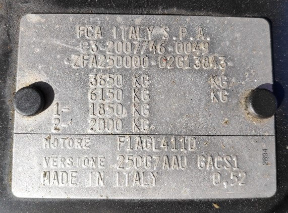 Chassis rating plate weights Carado